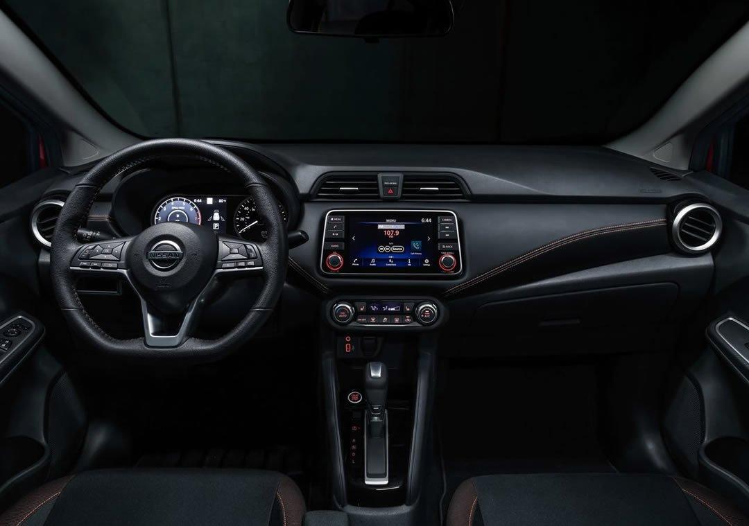 2020 Yeni Nissan Versa Kokpiti