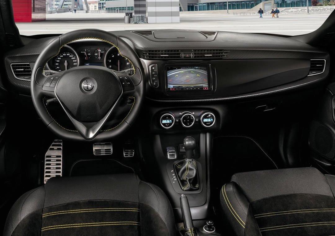 2019 Alfa Romeo Giulietta İçi