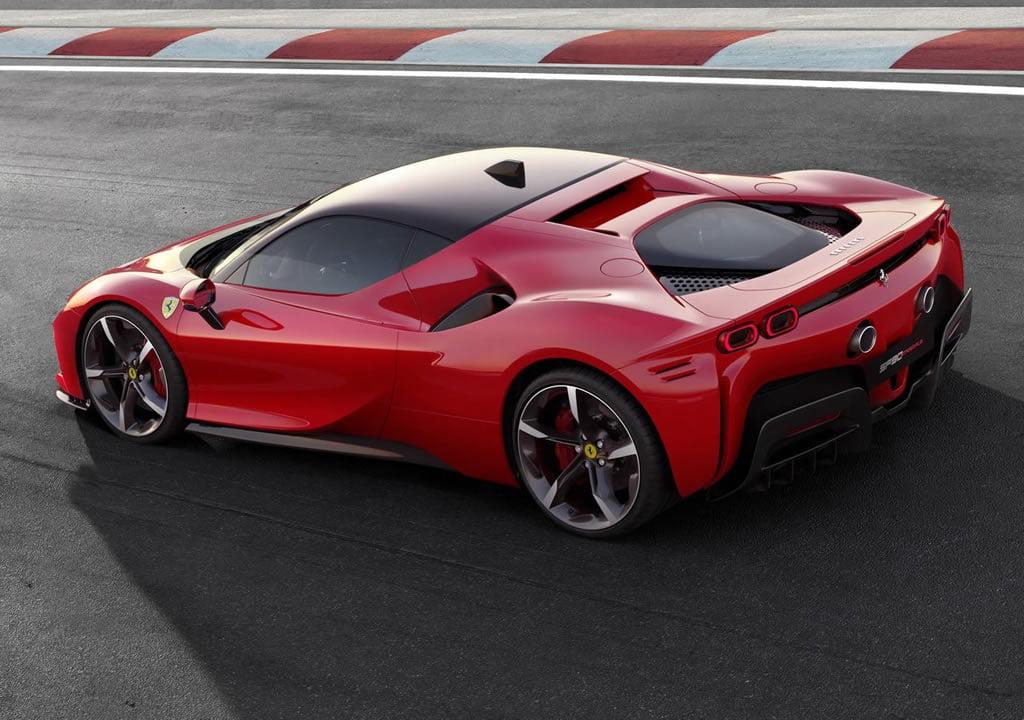 2020 Yeni Ferrari SF90 Stradale Özellikleri