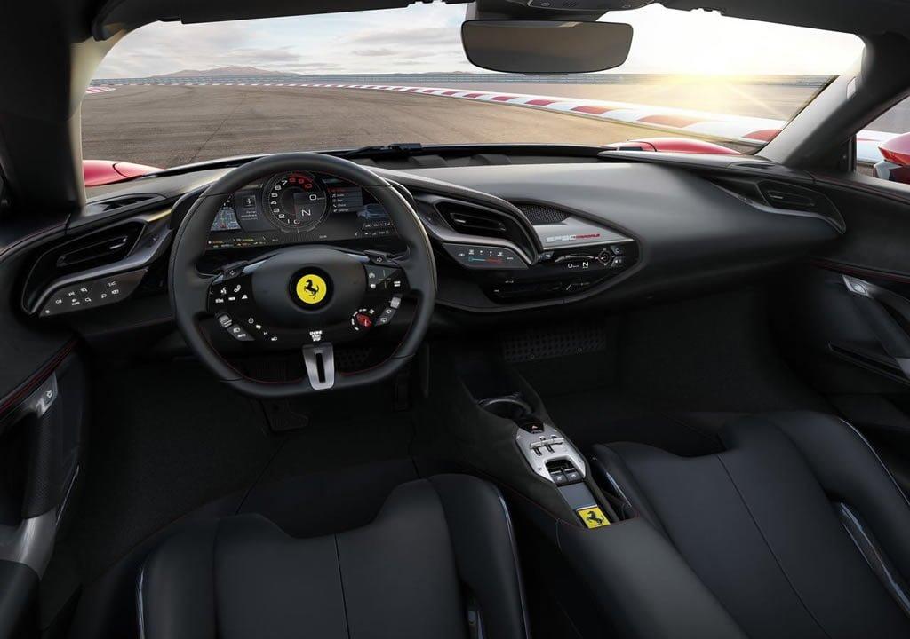 Yeni Ferrari SF90 Stradale Kokpiti