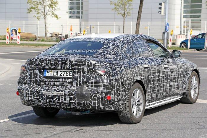 2021 Yeni BMW i4 0-100 km/s