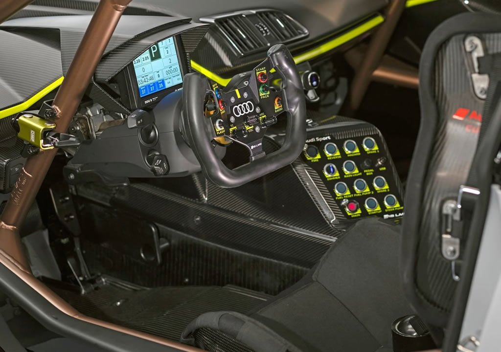 2020 Audi R8 LMS GT2 İçi