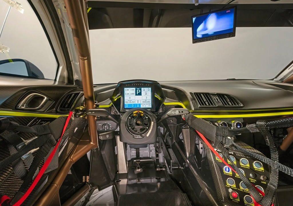 2020 Audi R8 LMS GT2 Kokpiti