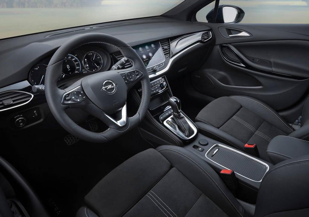 Makyajlı 2020 Opel Astra Kokpiti