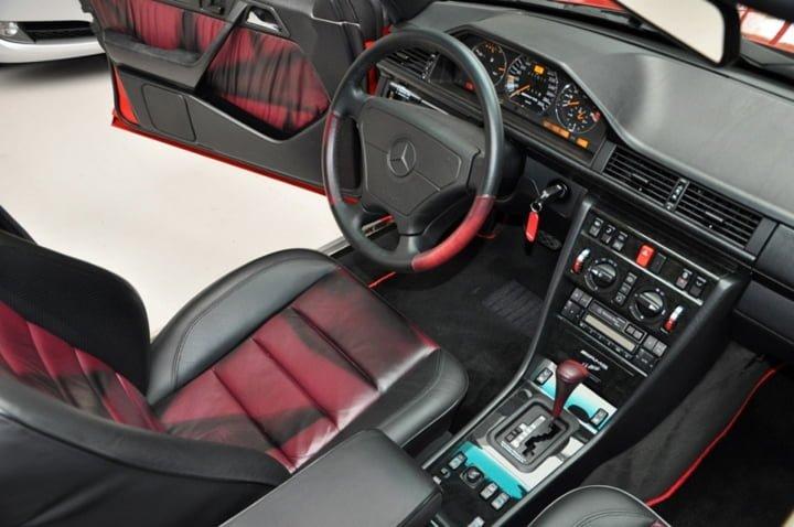 Mercedes-Benz E60 AMG W124 Kokpiti