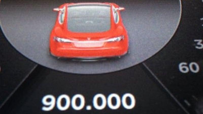 Tesla Model S 900 Bin Km