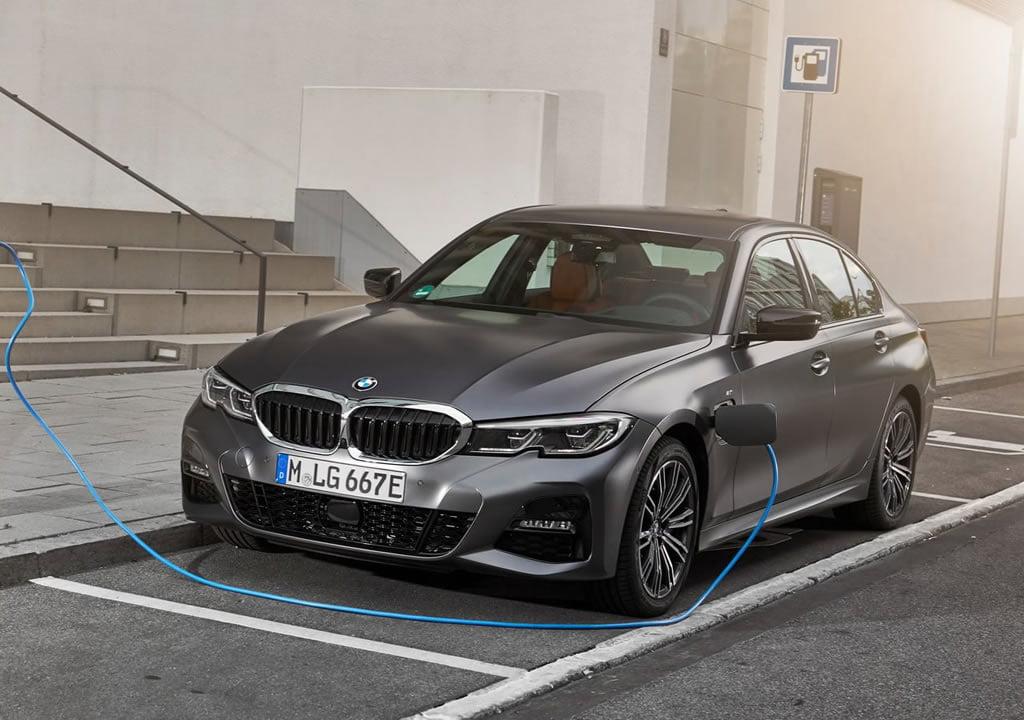 2019 BMW 330e Sedan Özellikleri
