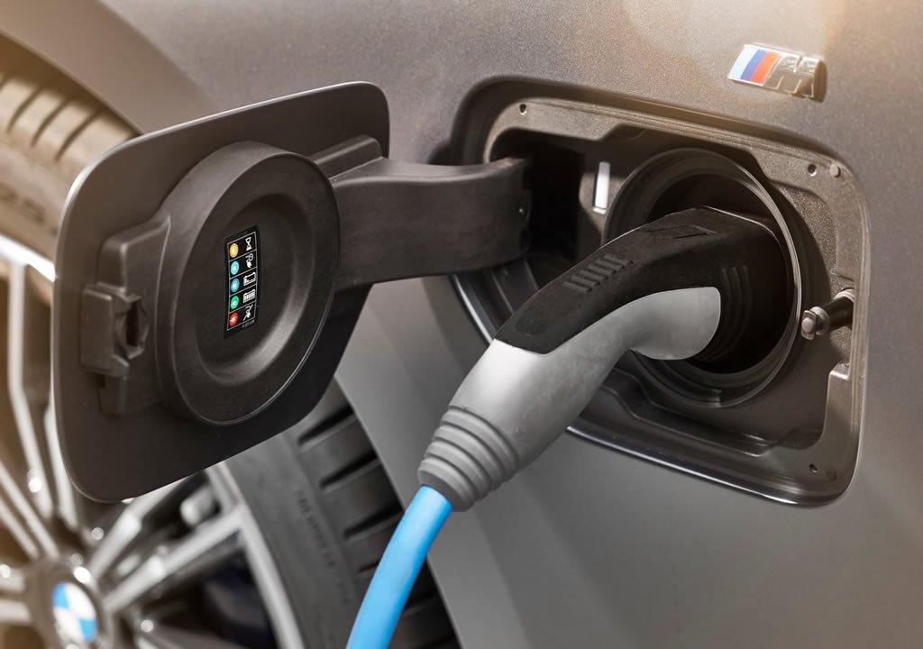 2019 BMW 330e G20 Şarj Süresi