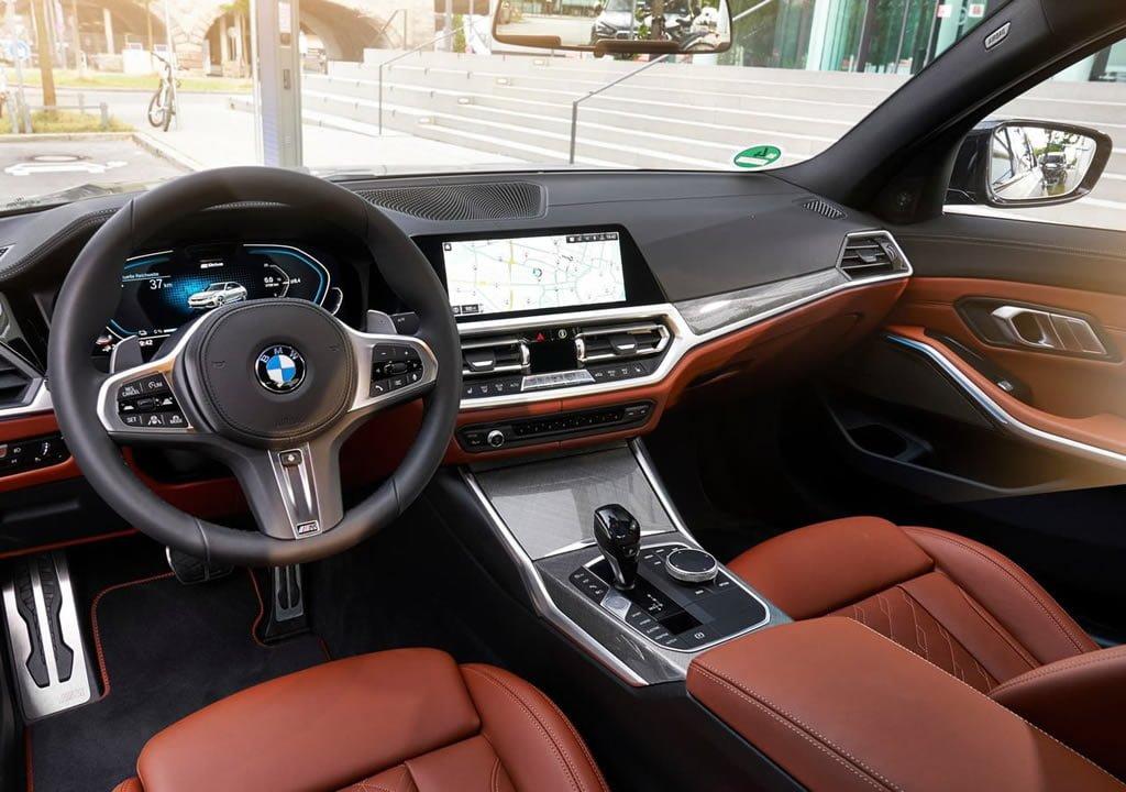 2019 BMW 330e Sedan Kokpiti