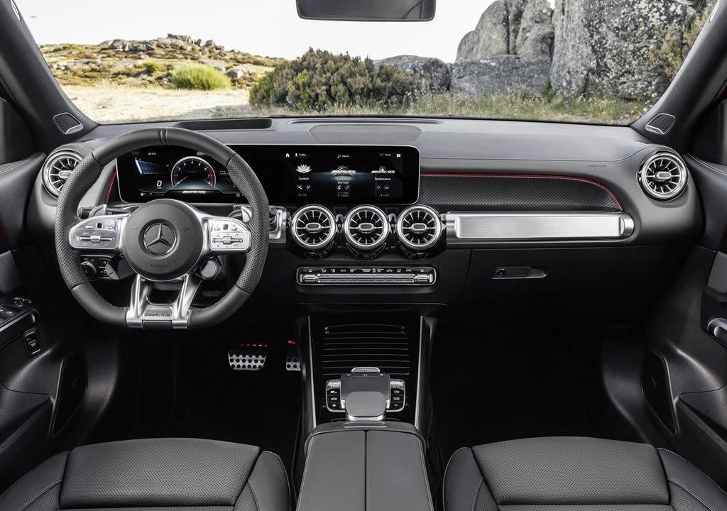 2020 Mercedes-AMG GLB35 4Matic Kokpiti