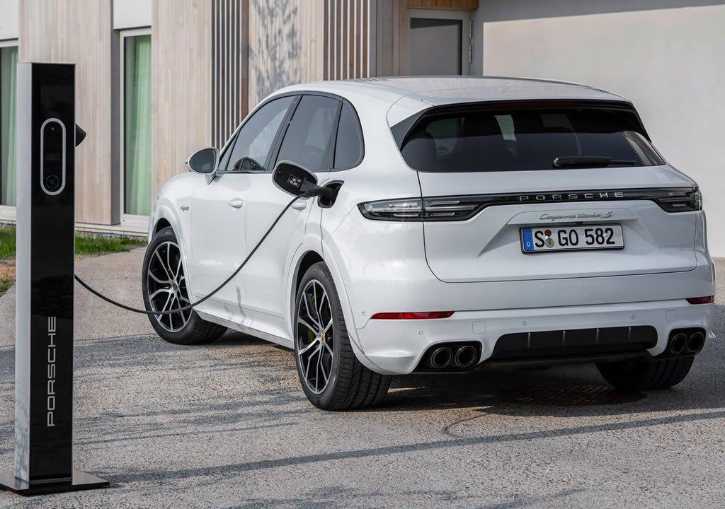 2020 Porsche Cayenne Turbo S E-Hybrid Şarj Süresi