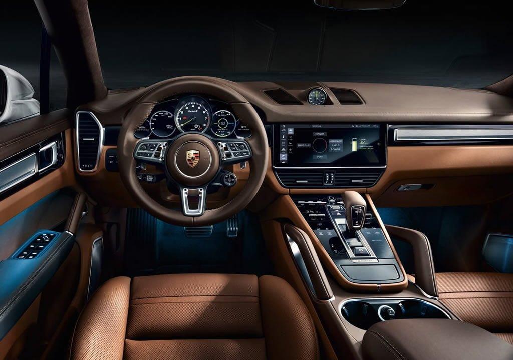 2020 Porsche Cayenne Turbo S E-Hybrid Kokpiti