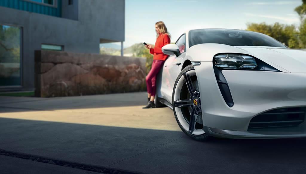 Elektrikli Porsche Taycan