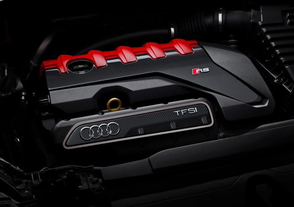 2020 Audi RS Q3 Motoru