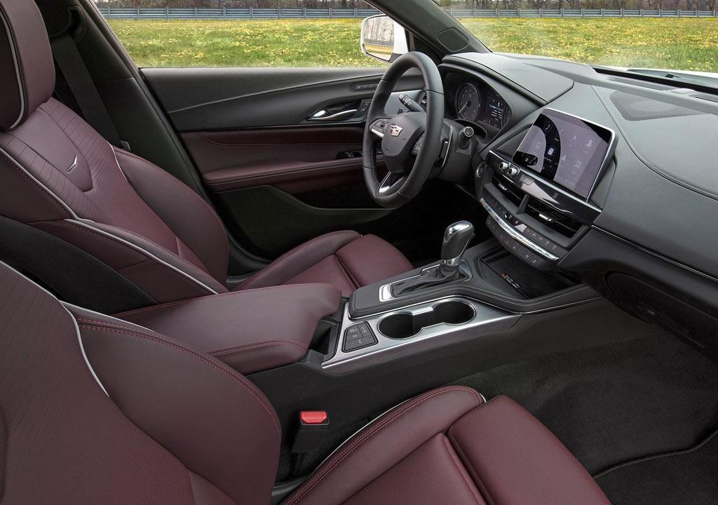 2020 Cadillac CT4 İçi