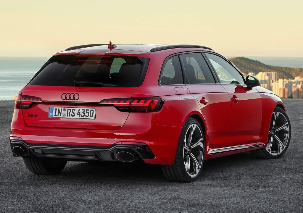 2020 Yeni Audi RS4 Avant Teknik Özellikleri