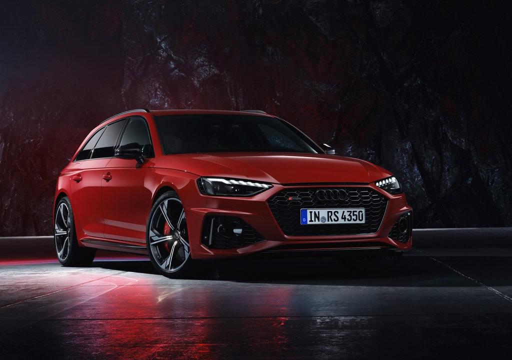 2020 Yeni Audi RS4 Avant Fotoğrafları