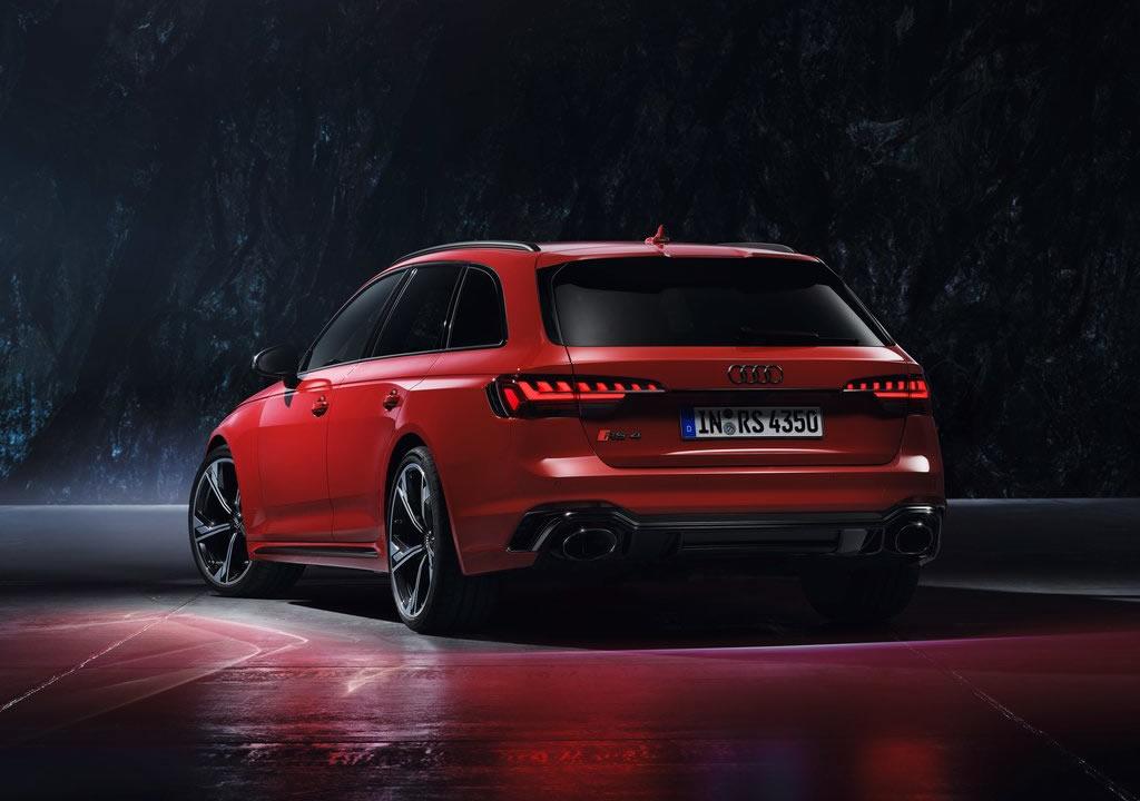 2020 Yeni Audi RS4 Avant 0-100 km/s