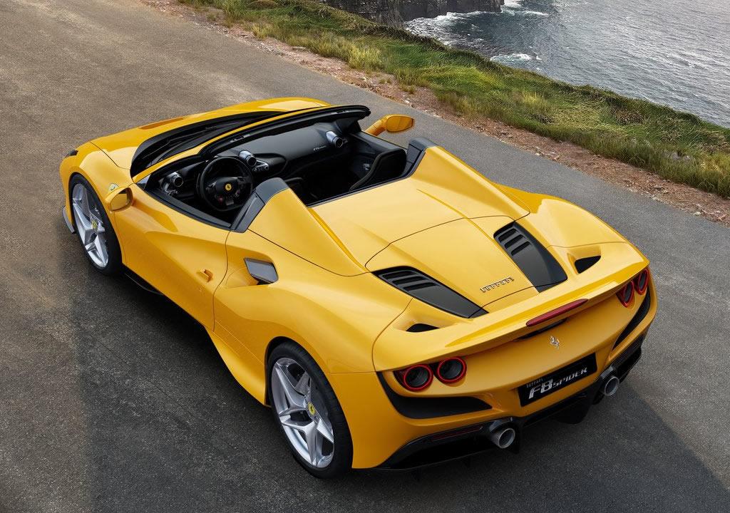 Yeni Ferrari F8 Spider Son Hızı