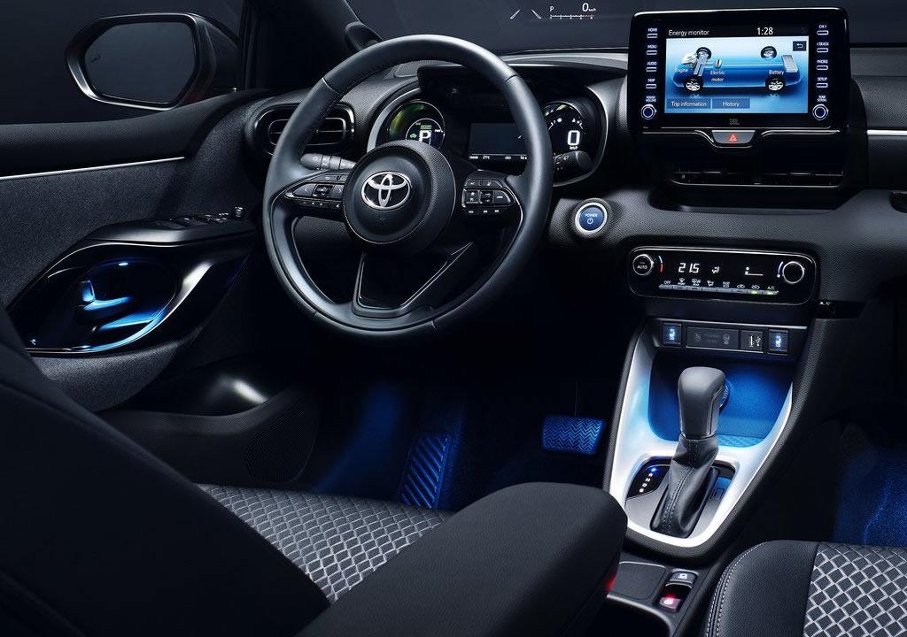 2020 Yeni Kasa Toyota Yaris Kokpiti