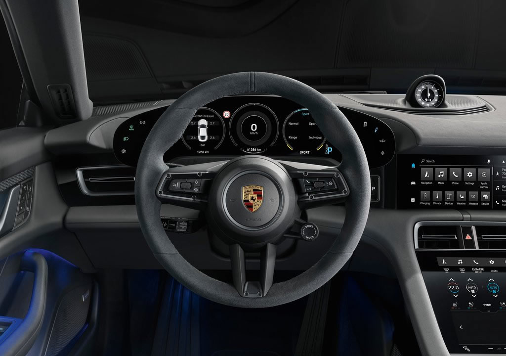 2020 Yeni Porsche Taycan 4S Kokpiti