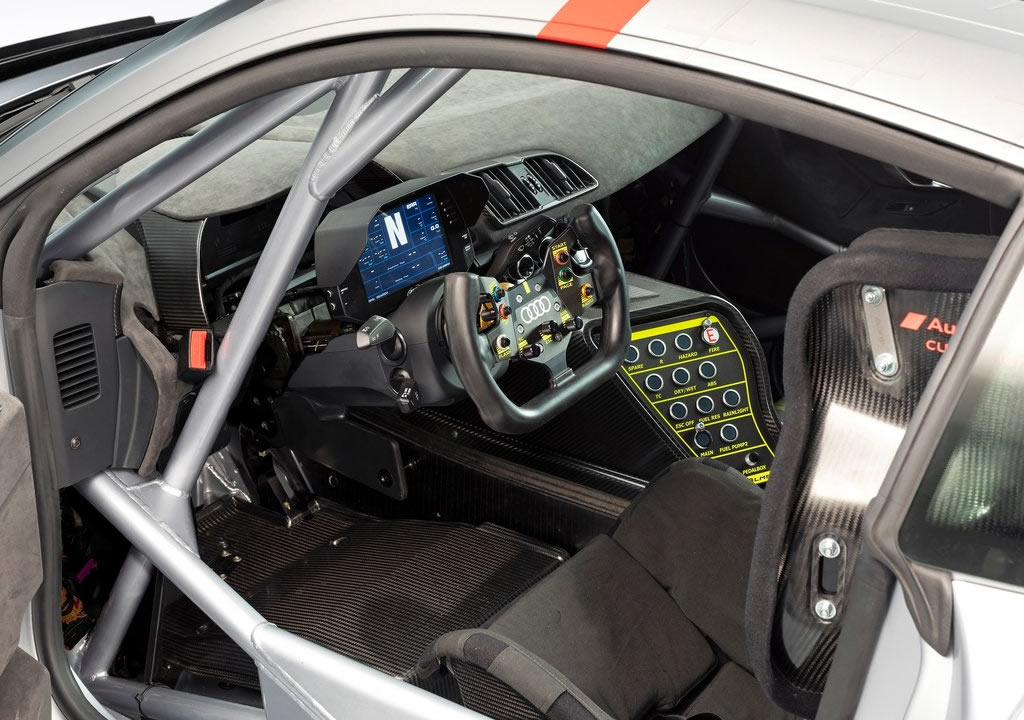2020 Audi R8 LMS GT4 İçi