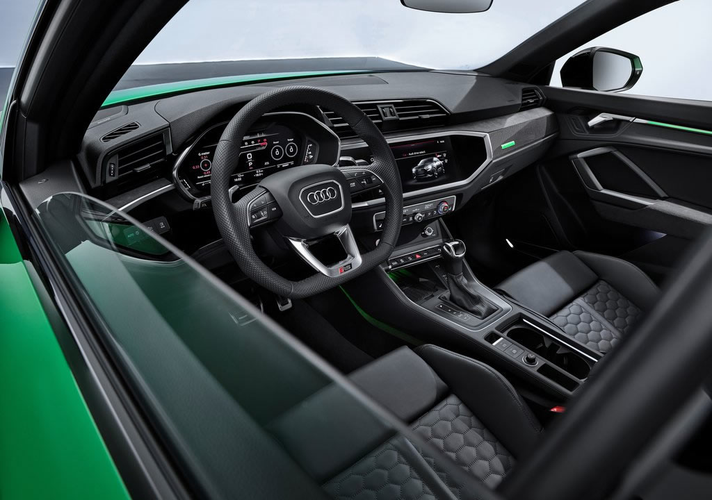 2020 Audi RS Q3 Sportback İçi