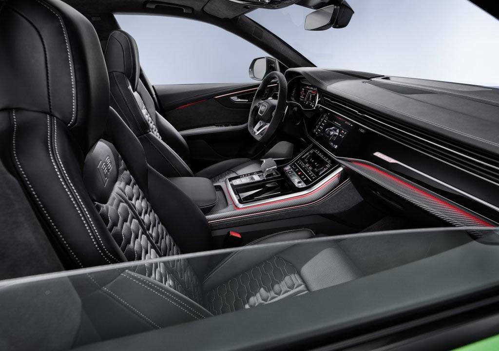 2020 Yeni Audi RS Q8 İçi