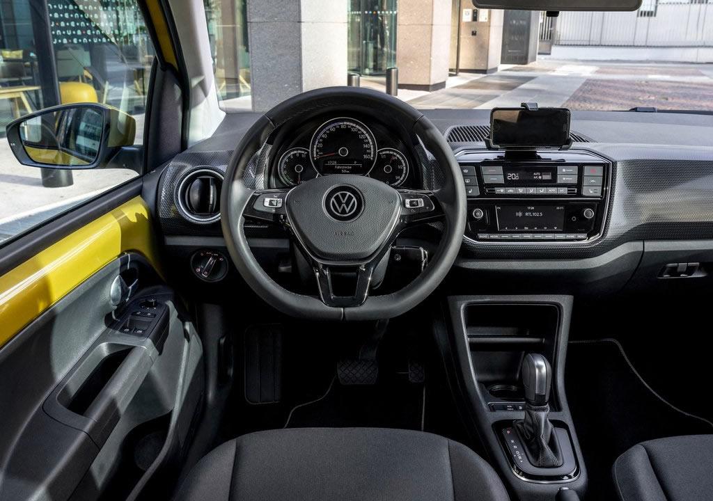 2020 Yeni Volkswagen e-Up Kokpiti