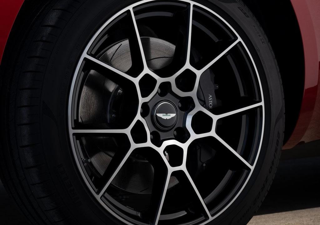 Yeni Aston Martin DBX Teknik Verileri