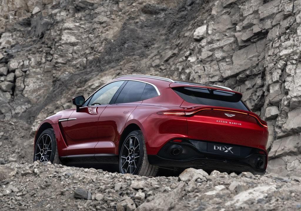 2021 Yeni Aston Martin DBX Fotoğrafları