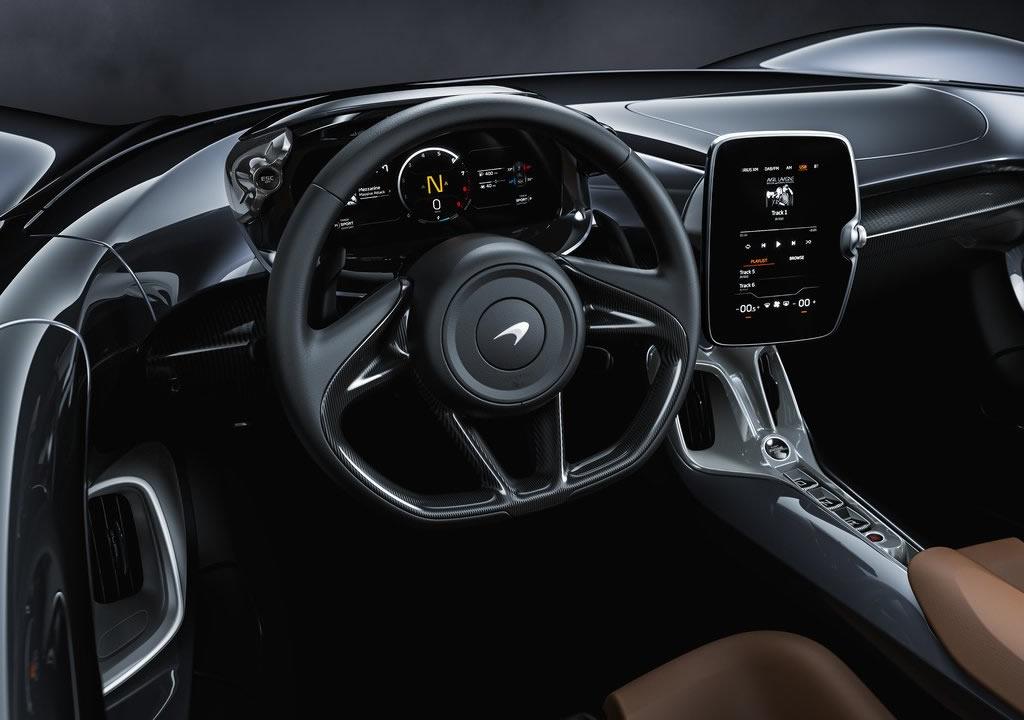 2021 Yeni McLaren Elva Kokpiti
