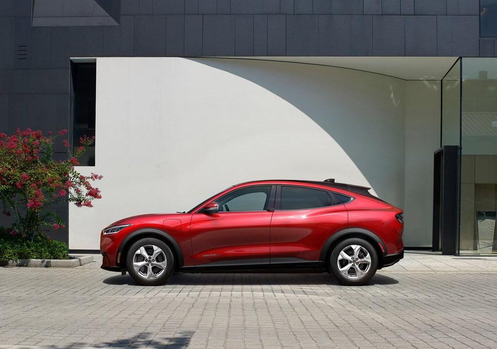 2021 Ford Mustang Mach-E Teknik Verileri