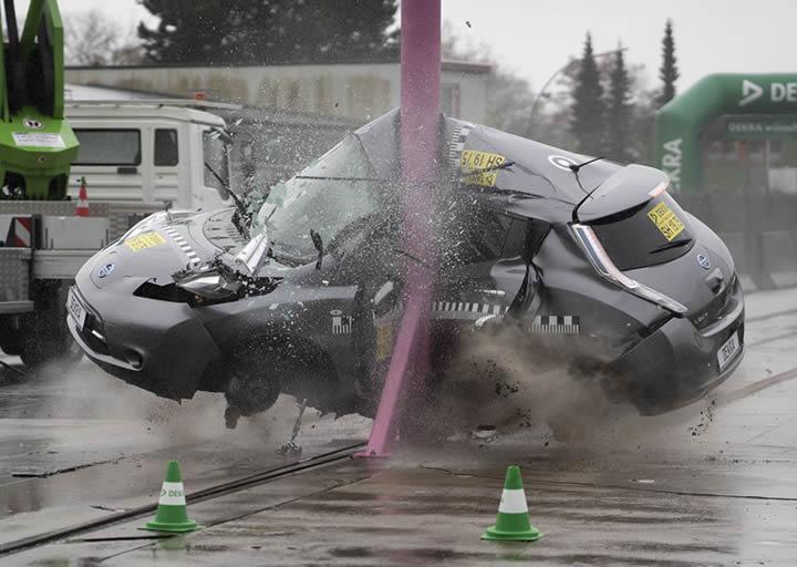 Elektrikli Otomobiller Yanal Çarpışma da Ne Kadar Güvenli ...