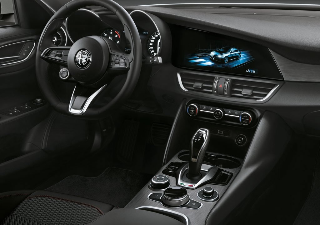 Makyajlı 2020 Alfa Romeo Giulia İçi
