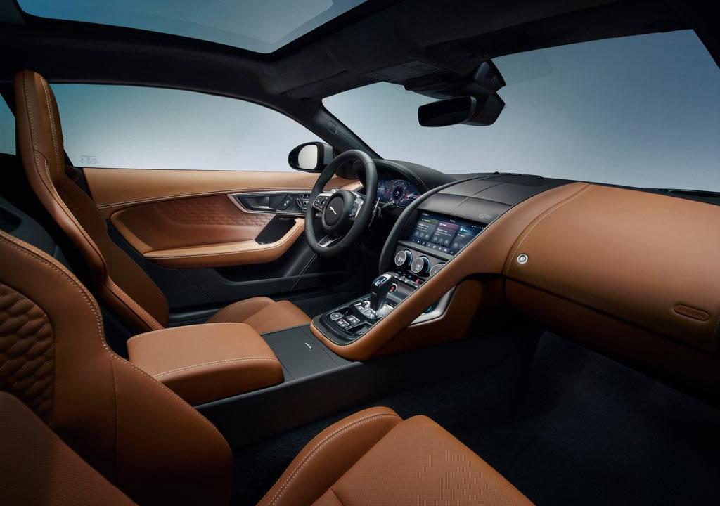 2021 Yeni Jaguar F-Type Kokpiti