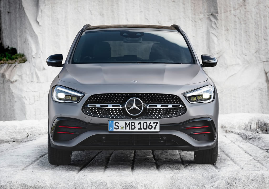 2021 Yeni Kasa Mercedes-Benz GLA Fotoğrafları