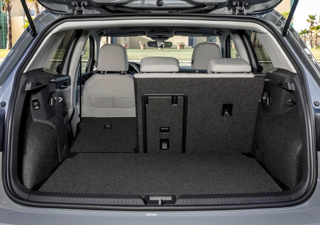 Yeni Volkswagen Golf 8 Bagaj Alanı