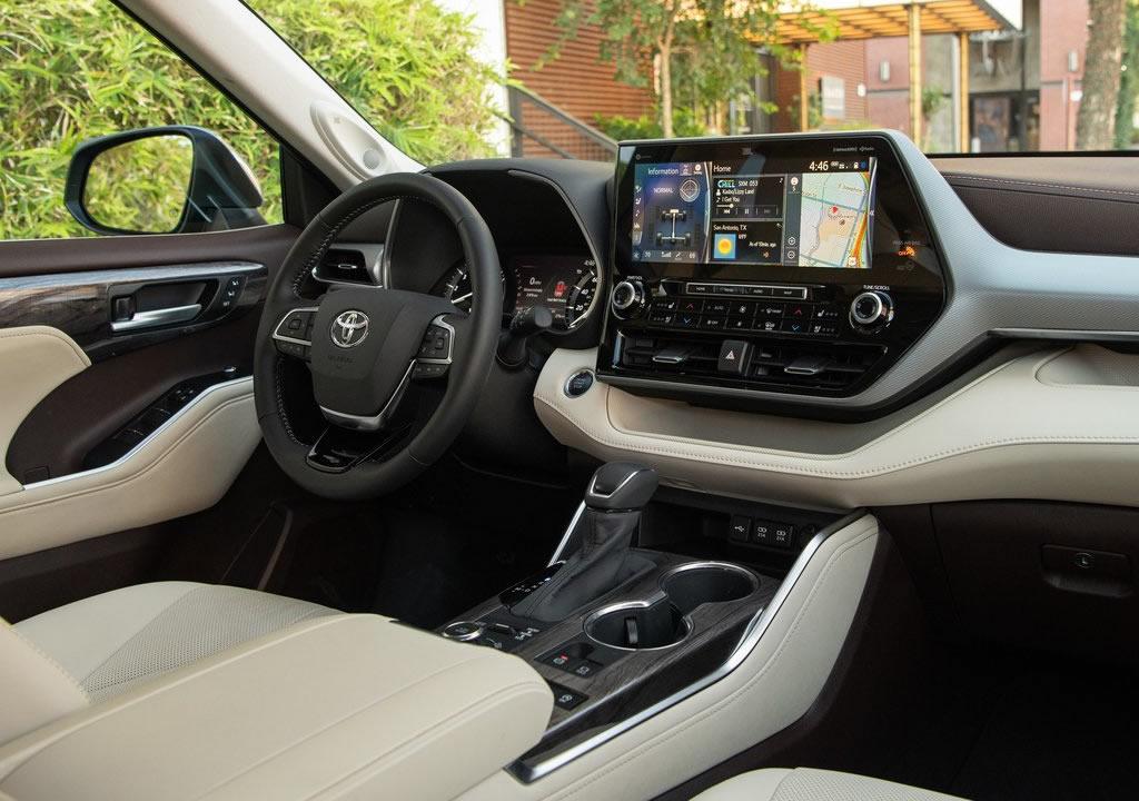 2020 Toyota Highlander İçi