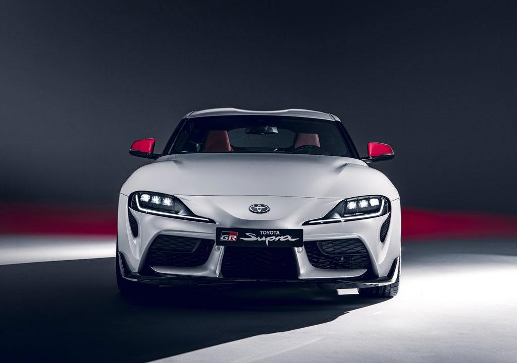 2020 Yeni Toyota Supra 2.0 LT Turbo Fotoğrafları