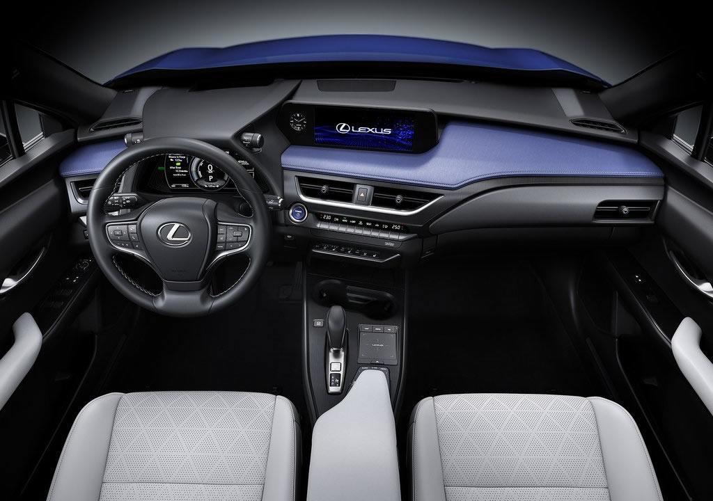 2021 Lexus UX 300e Kokpiti