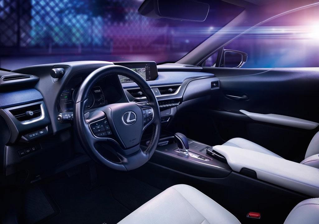 2021 Lexus UX 300e İçi