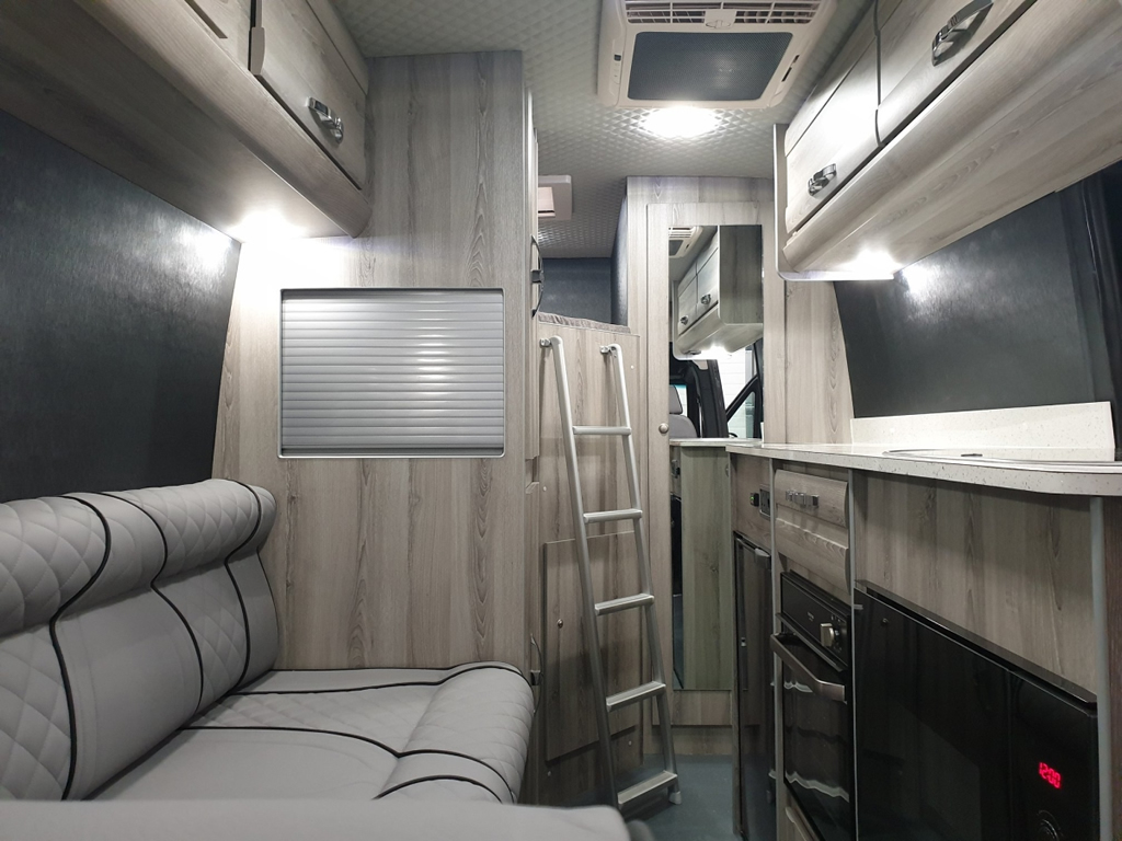 McLaren-Mercedes Sprinter Sports Home İçi