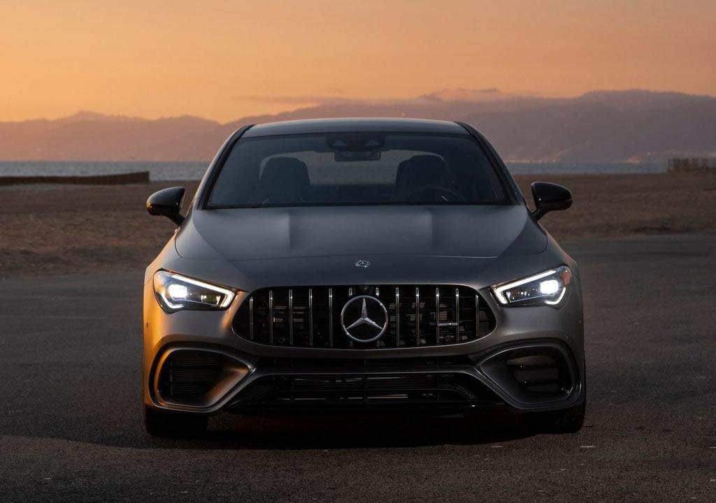 2020 Yeni Mercedes- AMG CLA45 Fotoğrafları