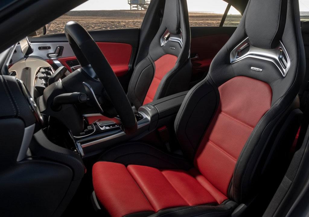 2020 Yeni Mercedes- AMG CLA45 İçi
