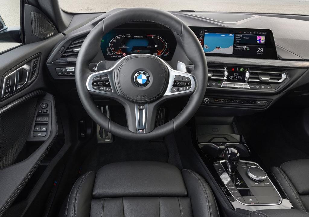 2020 BMW M235i xDrive Gran Coupe Kokpiti