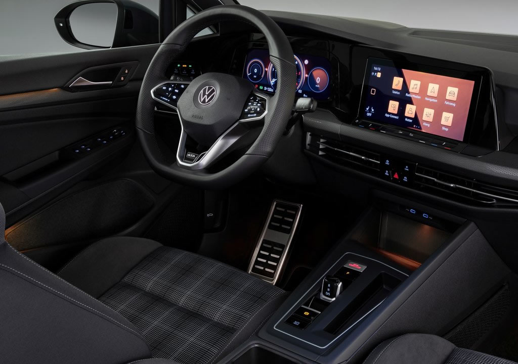 2021 Volkswagen Golf 8 GTD Interior