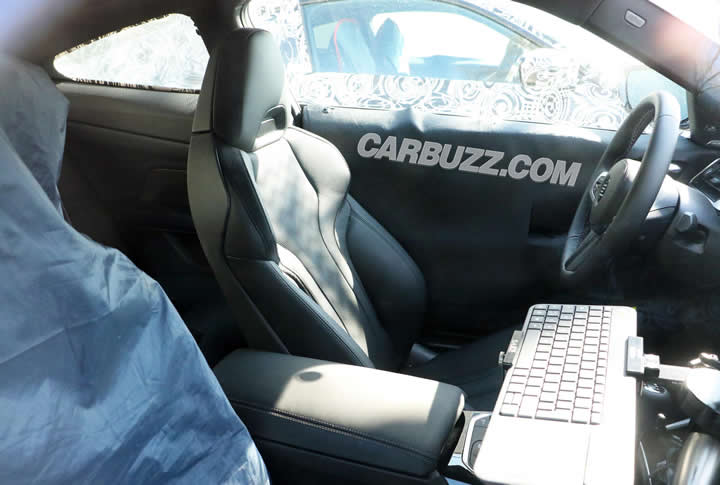 2021 Yeni Kasa BMW M4 İçi