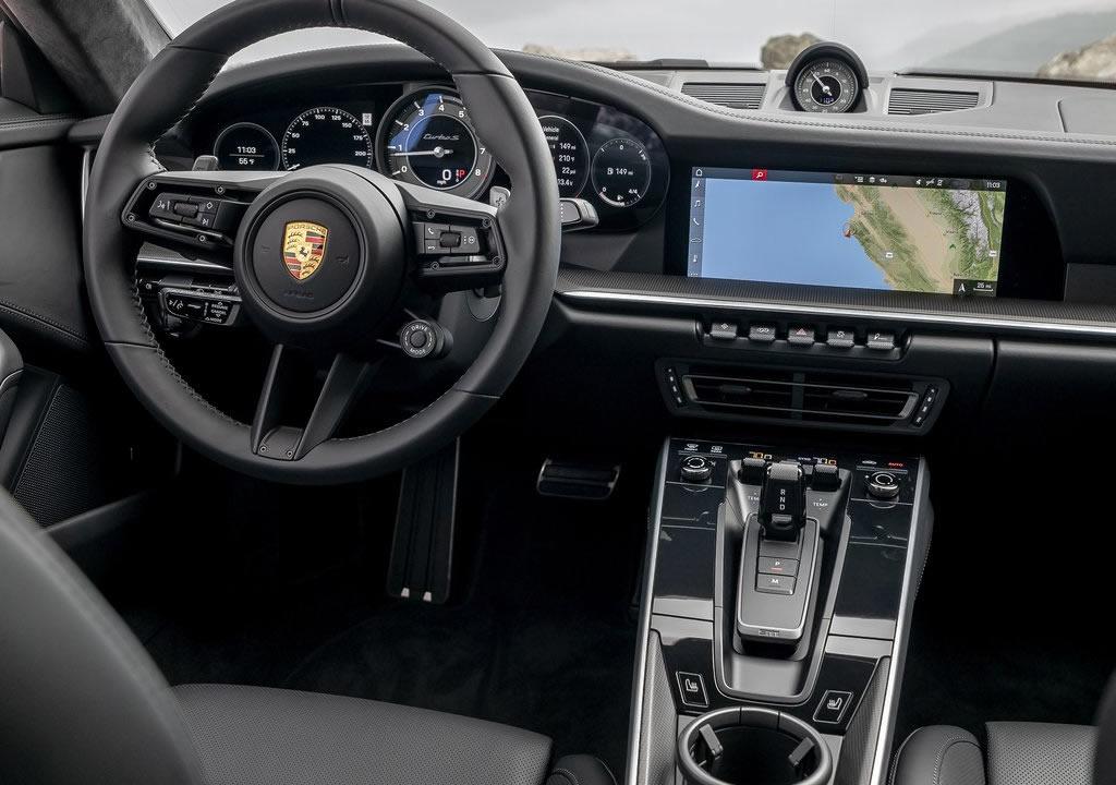 2021 Yeni Kasa Porsche 911 Turbo S Kokpiti