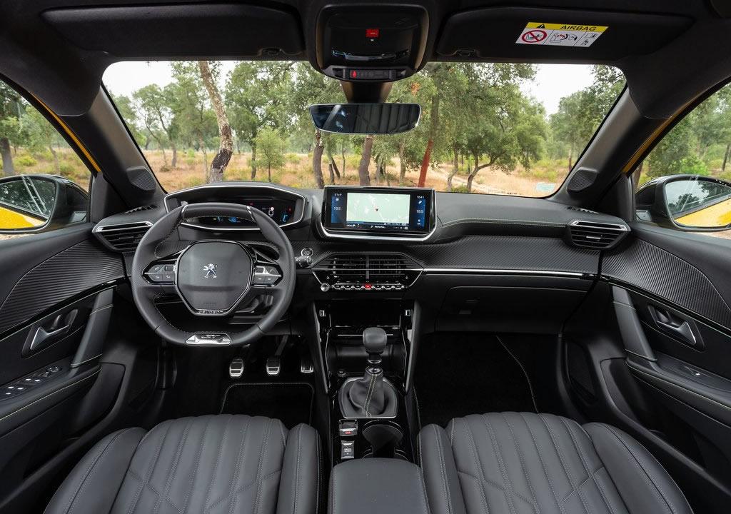 2020 Yeni Kasa Peugeot 208 İçi